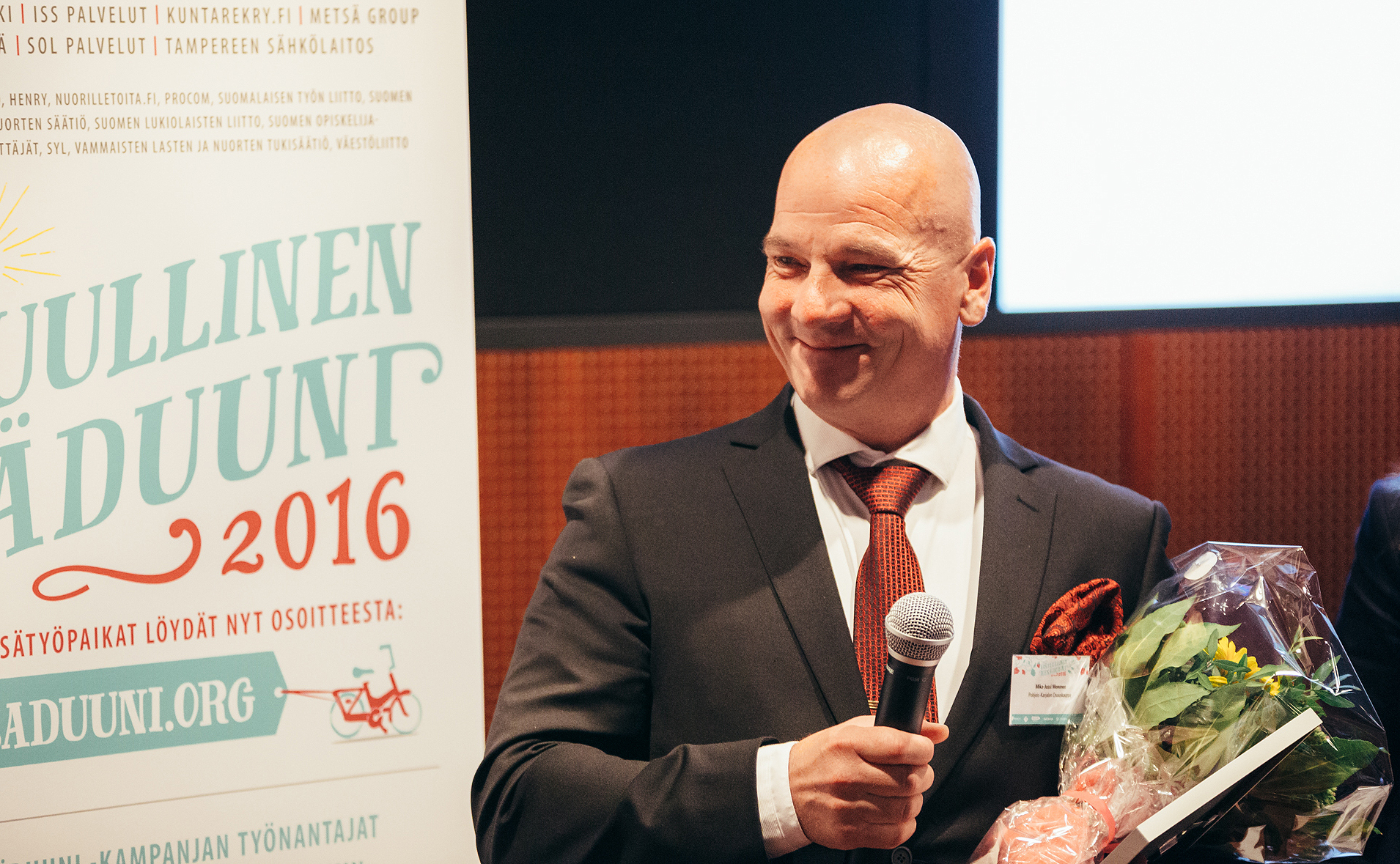Henkilöstöjohtaja Mika-Jussi Mononen Pohjois-Karjalan Osuuskaupasta kertoo monimuotoisesta työyhteisöstä. Kuva: Niko Jekkonen