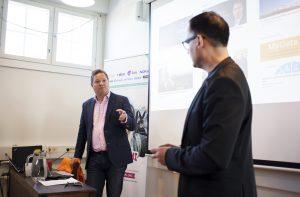 Jirimiko Oranen ja Mark Woods kertovat onnistuneestä työntekijälähettilyysohjelmasta. Kuva: Dora Dalila
